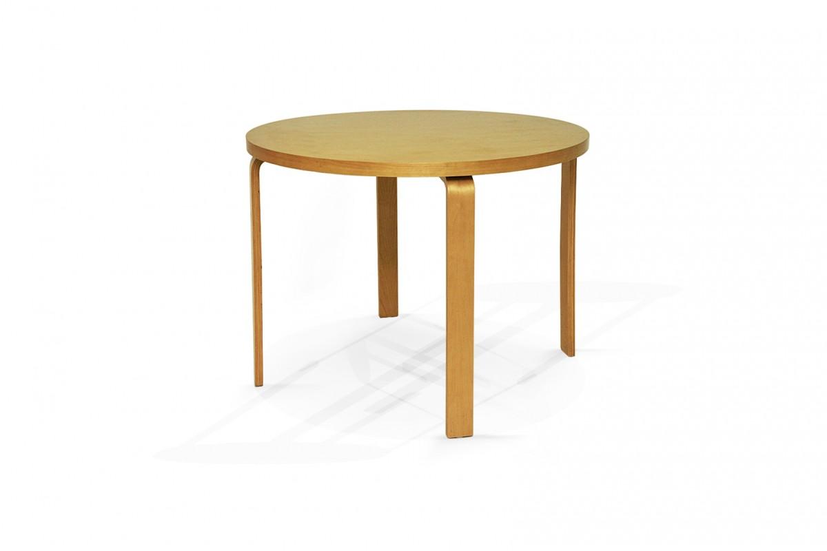 Table ronde en bois par Alvaar Alto