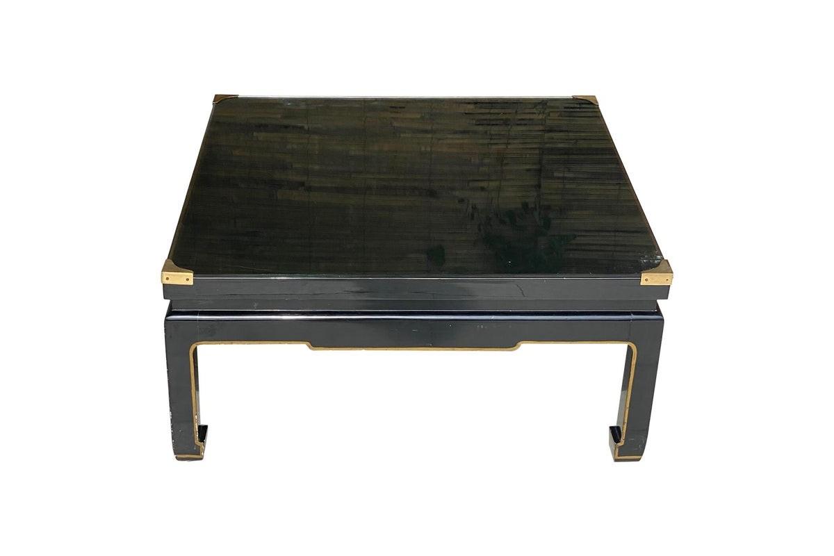 Table basse en bois laqué noir, dans le style de Romeo Paris