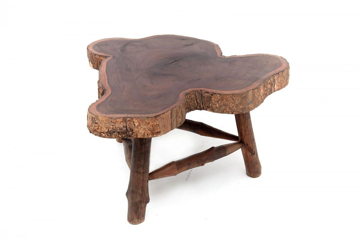 Table basse en bois brutaliste, forme libre 1950 France, couleur marron