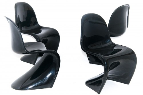Chaises Panton Chair Classic par Verner Panton, laquéees noires édition Vitra (lot de 4)