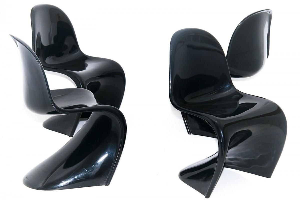 Chaises, Panton Chair classic , par Verner Panton, laquée noir, édition Vitra, set de quatre