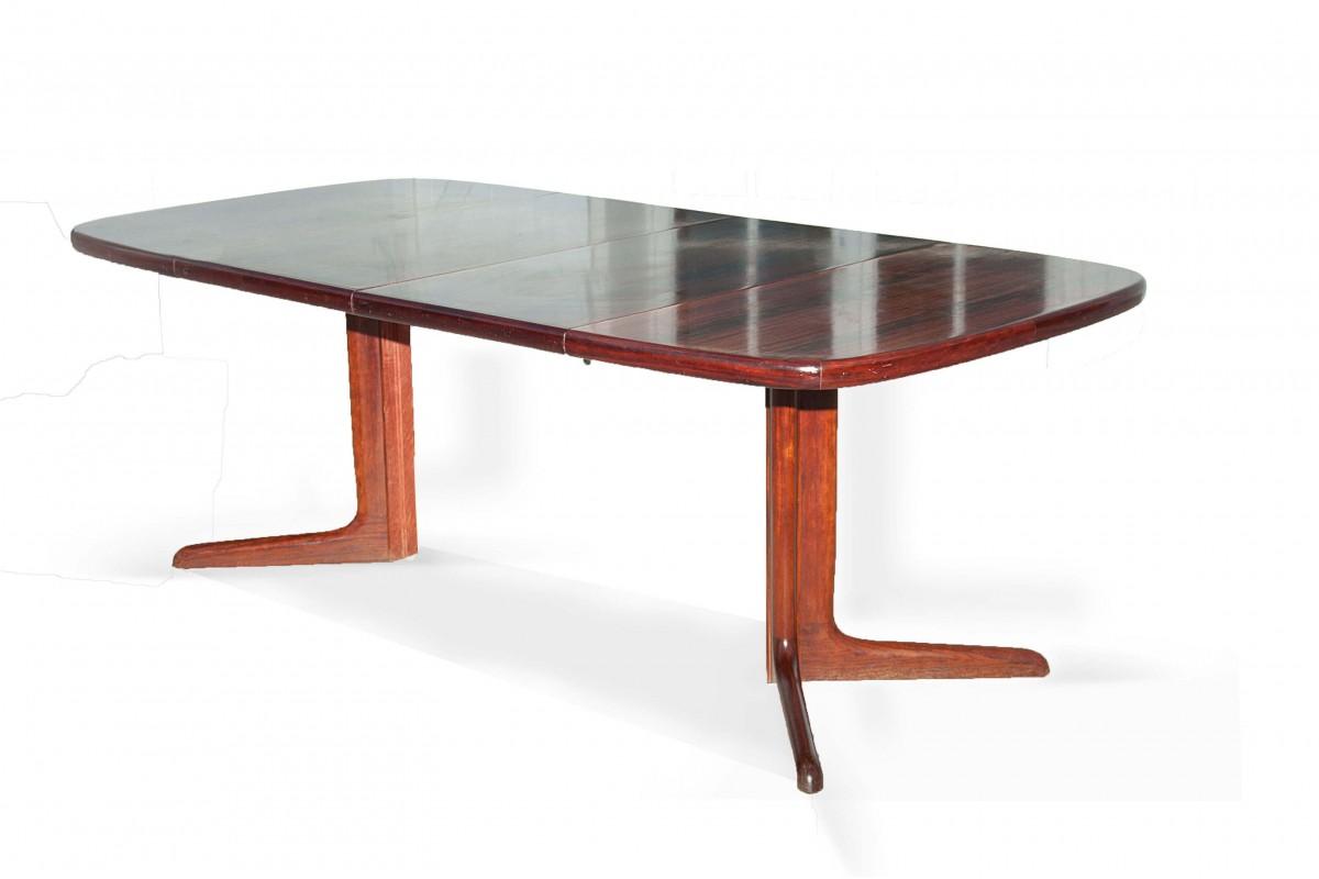 Table ovale en palissandre de Niels Otto Moller