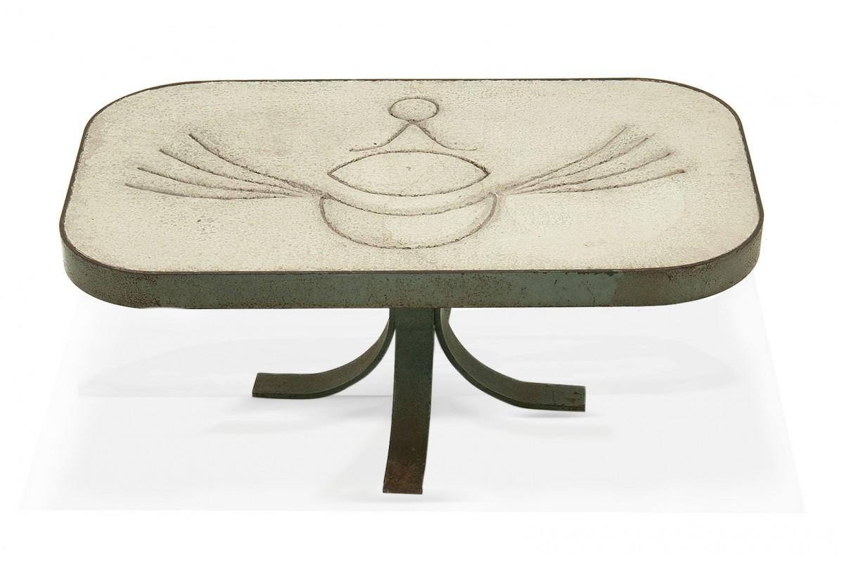 Table basse en acier et pierre blanche, Style Peter et Denise Orlando