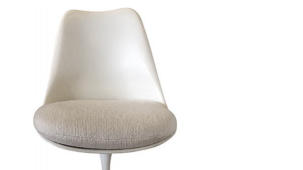 chaise tulipe détail